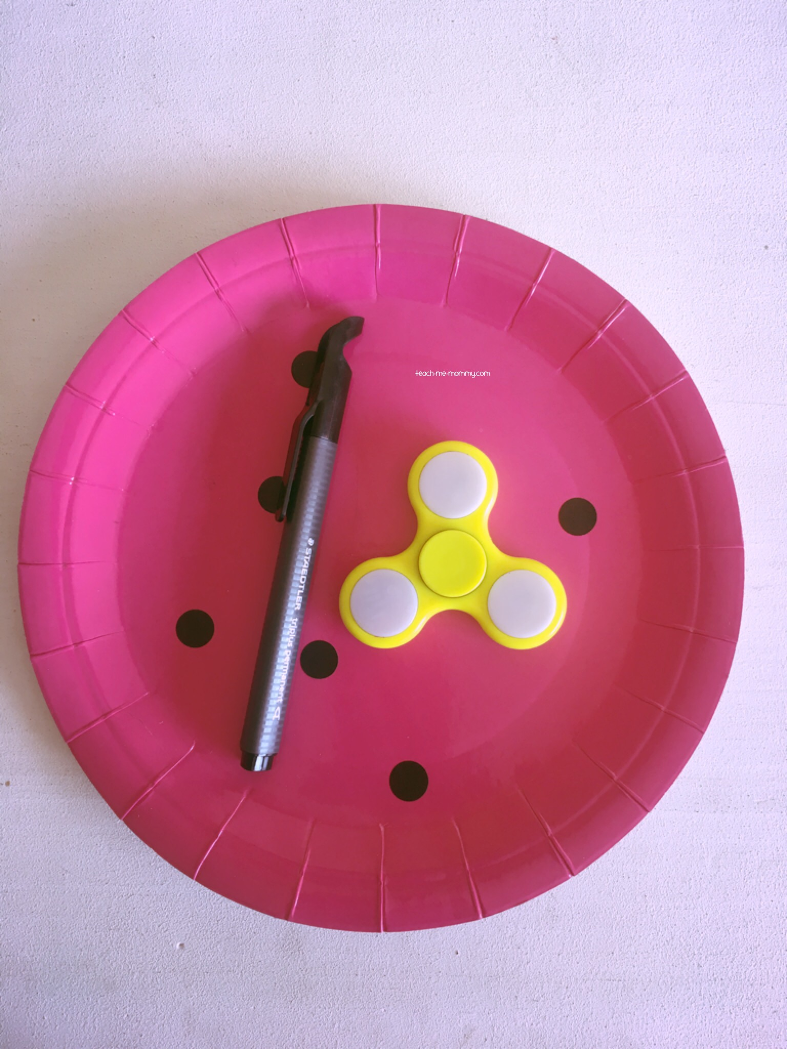 Paper Plate and spinner